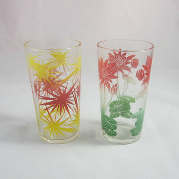 Vintage Federal Drinking Glasses 2 Retro Tumblers Floral Lily Pad and Starburst Multicolored