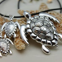 Seaturtle Sea Turtle Pendant and Earrings on Black Cord in Silver