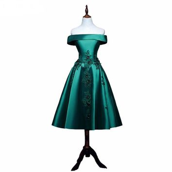 Emerald green Prom Dresses Tea-Length Fashion Satin With Applique A-line Prom Dress Boat Neck Prom Dresses