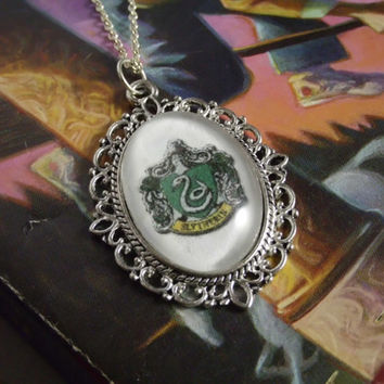 Harry Potter Hogwarts Slytherin House Crest Image Ornate Frame Edge Silver Necklace Geekery