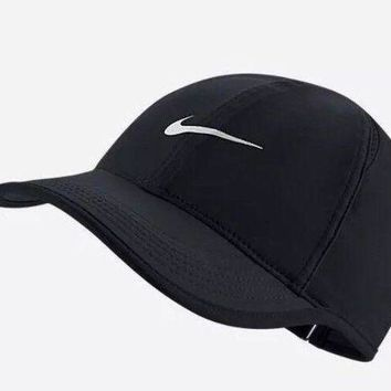 CREYWA2 Nike Aerobill Featherlight Dri-Fit Black/White Unisex Tennis Cap Hat 679421-010