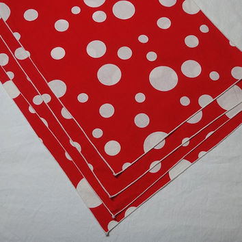 1980s Vintage Set of 4 Red & White Polka Dot Place Mats, 16.5 x 11.25 In., Poly Cotton Blend, Vintage Table Linens, 1980s Home Decor