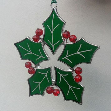 Stained Glass Suncatcher, Green Christmas Holly Suncatcher, Christmas Holly Decoration