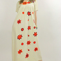 70s Boho Oaxacan floral embroidered Mexican dress