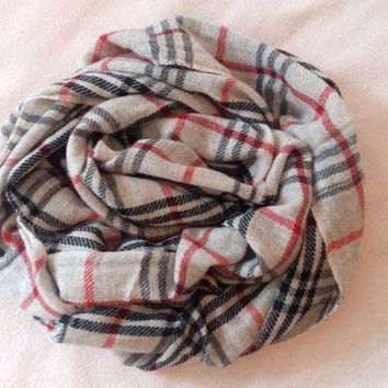 DCCKIN2 Authentic 100% Cashmere scarf, NEW, burberry pattern, handmade, from Nepal