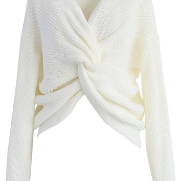 Nifty Twist Sweater in Ivory