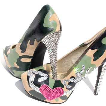 Camouflage Wedding Heels with Heart and Deers
