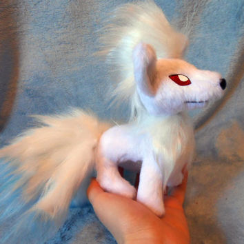 Pokemon inspired shiny Ninetales Ninetails Kyukon (20 cm high plush, small size) plushie made of minky and faux fur, super cuddly!