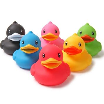 New Animals Colorful Soft Rubber Float Squeeze Sound Squeaky Bath Toy Classic Rubber Duck Plastic Bathroom Swimming Toys