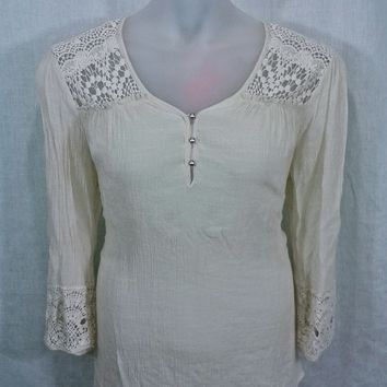 17951 Dress Barn Plus Size Crochet Lace Accented Gauze Boho Top Size 1X
