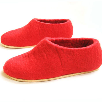 Gifts for Mom - Womens Felt Slippers - Red Poppy - Color Rubber Sole Slippers - Wedding Gift - Winter Fall Fashion - Women sizes - 100% wool