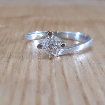 18K Gold, Diamond Solitaire Ring, Round Diamond Ring, Gold Diamond Ring, Engagement Ring, Diamond Engagement, Natural Diamond, Round cut