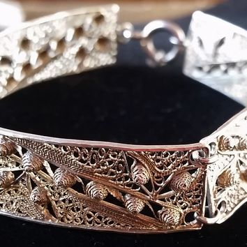 Sterling silver filigree cannetille bracelet Art Deco 6 panel stamped and signed kuchi, tribal vintage
