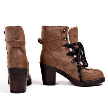 MTNG: Valquira Laced Camel, at 66% off!