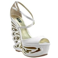 Bakers Butterfly White Wedges