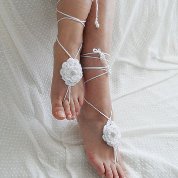 Anklet, wedding barefoot, '' Bohemian wedding anklet'' sandals, White anklet, floral, flowers, Bridal accessories