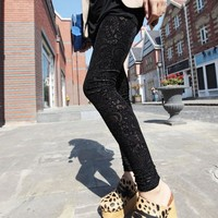 2016 New Autumn Women Lace Leggings Hollow Carved Peach Heart Gold Velvet Jeggings Sexy High Elastic Through Skin Legging