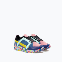 Multicolored leather trainer