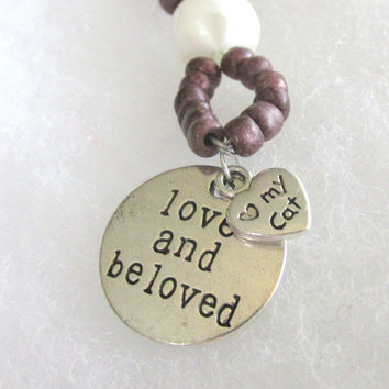 Love and Be Loved , Love My Cat Keychain - Handcrafted with wood and white beads - #20150011