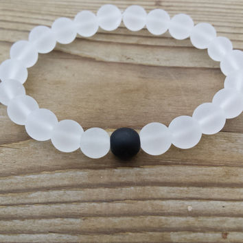 Yin Yang Bracelet, Matte White Quartz Black Matte Onyx Gemstones Stretch Bracelet Beaded Mala Meditation