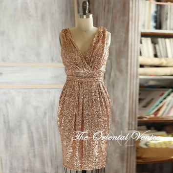 Sparkle 2016 Short Rose Gold Bridesmaid Dresses Sheath V neck Luxury Sequin Prom dress Metallic Knee length Wedding Party dress