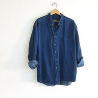 vintage jean shirt. dark wash denim shirt. button down shirt. pocket shirt.