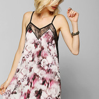 Oh My Love Lace V-Neck Cami Dress - Urban Outfitters