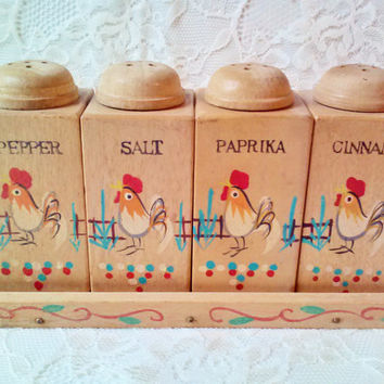 Vintage Rooster Wood Spice Shaker Set 4 with Wooden Rack New MINT Japan made Engraved Wall Hanging Ready Kitchen Serving Home Decor Estate