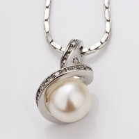ZLYC 18K White Gold Plated Alloy Pendant Necklace with White Fresh Water Pearl