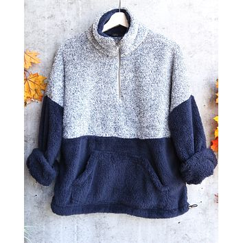 two tone sherpa half-zip pullover - blue/navy