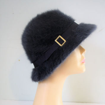 Vintage Kangol grey Angora hat with golden buckle from the 1980's