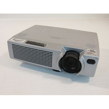 Hitachi LCD Data Video Projector Gray 1024 x 768 Resolution 2200 Lumens CP-X385W -- Used
