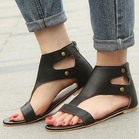 Fashionable women's 43-yard sandals with flat rivets shoes