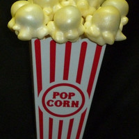 popcorn cake pops , Circus themed birthday ,cirque baby shower , party .