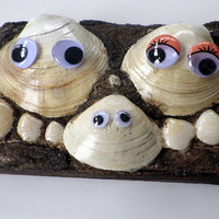 Happy Clam Family Display