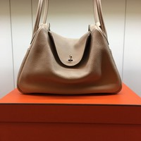 100% Auth Hermes Argile Clemence Leather Lindy 34 Silver HW Shoulder Tote Bag Q
