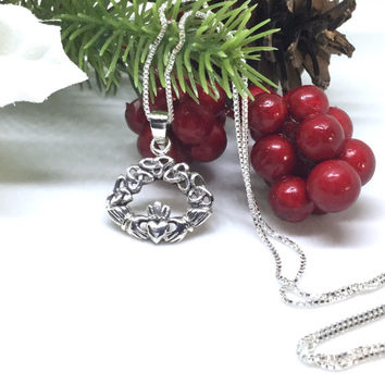 Claddagh Necklace Sterling Silver Celtic Knot Necklace Triquetra Claddagh Pendant Celtic Symbol Frienship Triquetra Pendant Trinity Knot