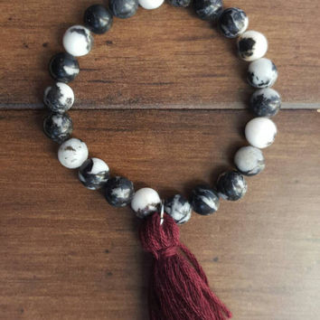 Black and white beaded bracelet // beaded tassel bracelet // yogi bracelet // zebra stone // marbled gemstone bracelet