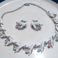 Vintage White Painted Leaf Necklace with Matching Clip on Earrings
