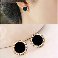 Fashion vintage gold plated black earrings Elegant rhinestone crystal stud earrings for women jewelry accessories (Color: Black) = 1668694340