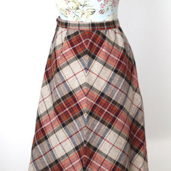 SALE Vintage 80s Grunge // Red Plaid Print Maxi Skirt // High Waist // Pleated // Size Small