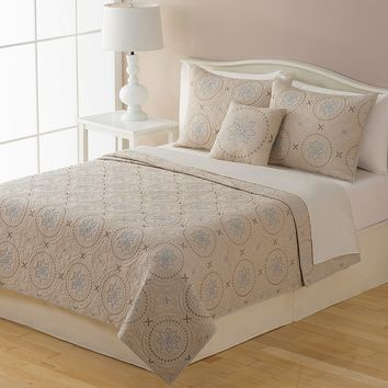 Home Classics New Traditions Kayla Quilt (White)