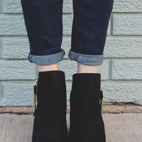 Out & About Booties - Black
