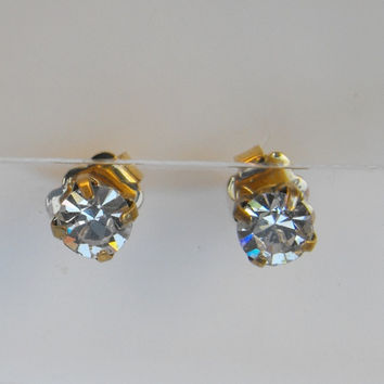 Avon Swarovski Crystal Stud Earrings Jewelry