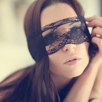 Bridal Shower Gift, Sexy Lingerie Mask, Lace Blindfold Mask, Lace Masquerade Mask for Women, Boudoir Photography Prop