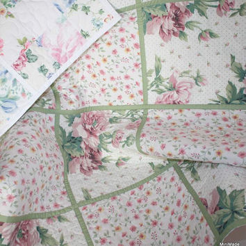 Baby or Lap Quilt, Round and Round The Garden,  Floral Vintage Sheets