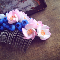 Berry and flowers hair comb, floral hair accessory , floral hair comb, handcrafted flowers, hair jewelry, wedding hair accessories