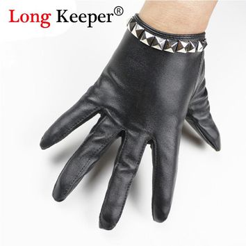 Fashion Lady Dance Gloves Female Full-finger Black Gloves Party Show leather Gloves Metal Rivets Mittens for Women Luvas GL083