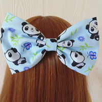 Pandas hair bow / panda hair bow / panda hair clip / panda / kawaii Hair bow / Fabric bow / kawaii hair bow clip / kawaii pandas bow