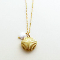 Brandy - Sea Shell Necklace Gold Shell Locket